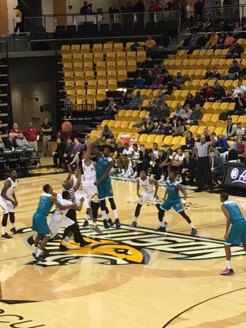 UNCW Handles Towson On The Road