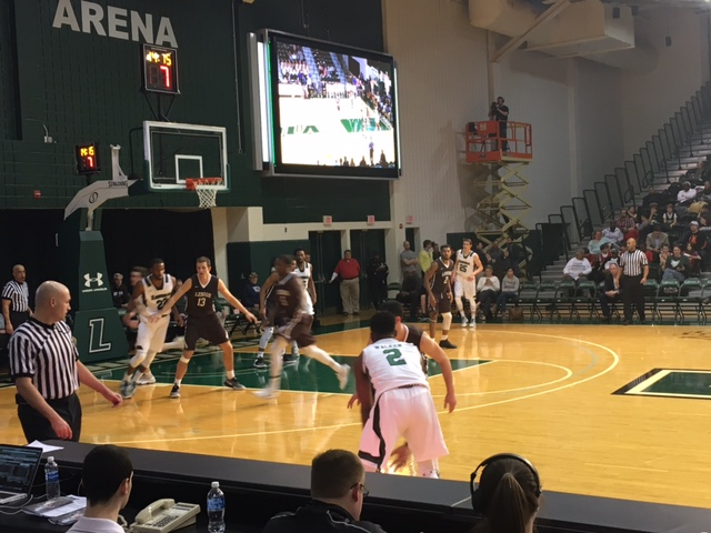 Loyola Completes Late Comeback To Beat Lehigh 62-60
